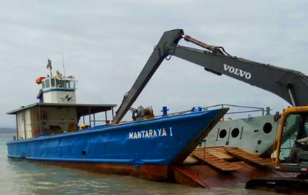 Delivery of bulk materials and goods in the archipelago of Bocas del Toro